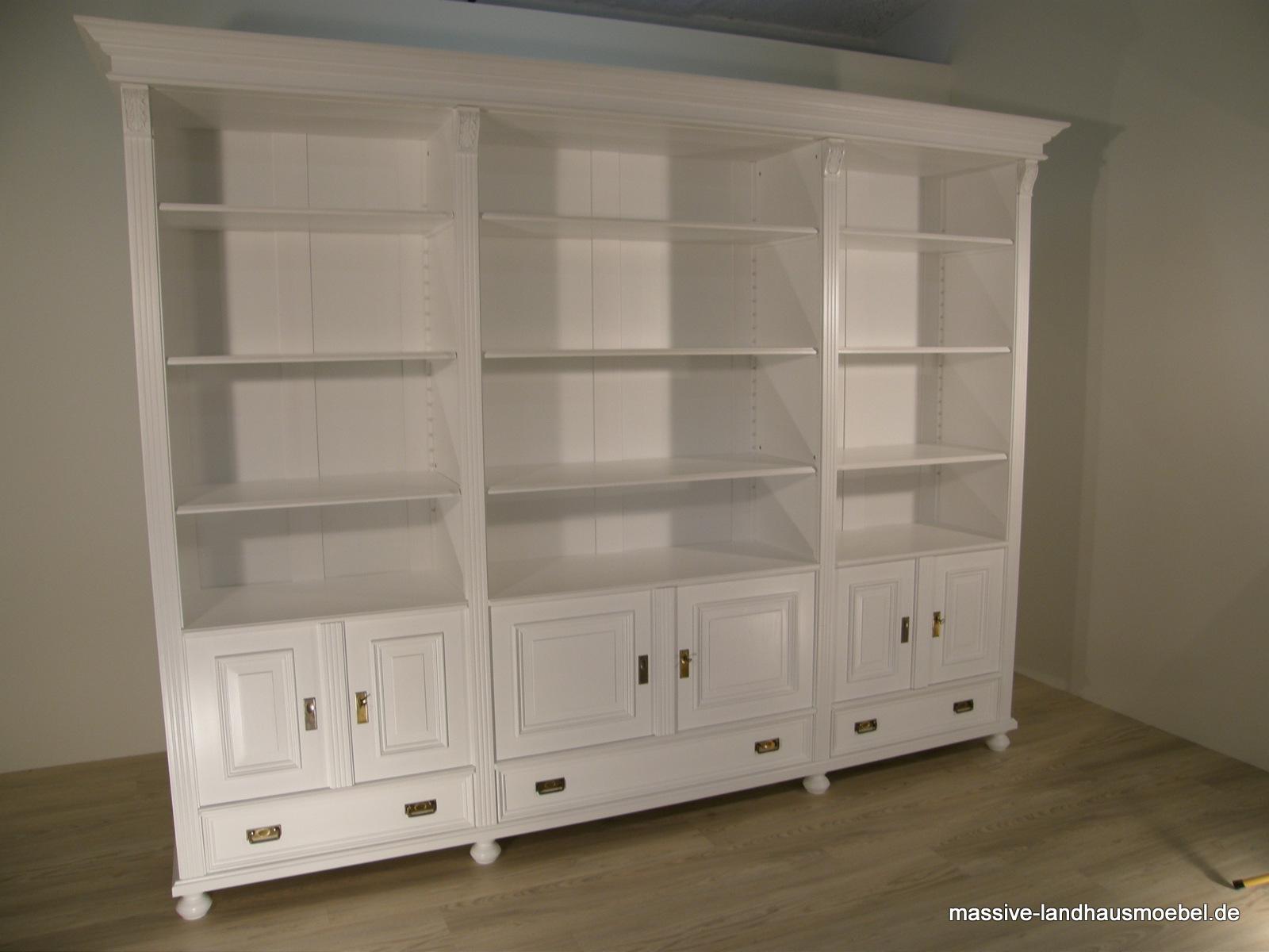 massive landhausm bel 1555 regal b cherschrank. Black Bedroom Furniture Sets. Home Design Ideas